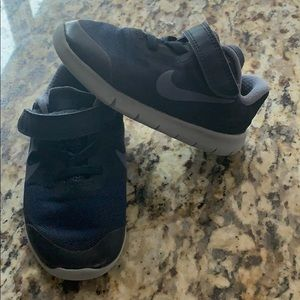 Boys Nike Free RN